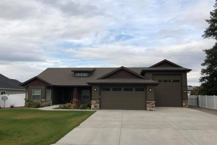For Lease: Beautiful Home in Hayden with RV Garage/Shop