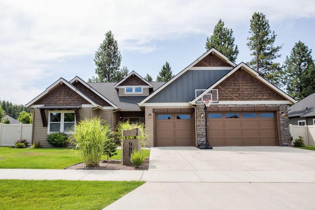Executive Hayden Single Level 4 Bedroom Home Built 2015 by Aspen Homes- FOR SALE MLS 19-9535